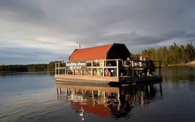 Bastuflotten är i sjön!